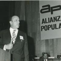 Manuel Fraga Iribarne en el I Congreso de Alianza Popular.jpg