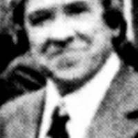 Santiago Carrillo Peluca.jpg