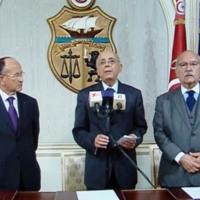 El primer ministro Mohammed Ghannouchi en su comparecencia en la televisión.